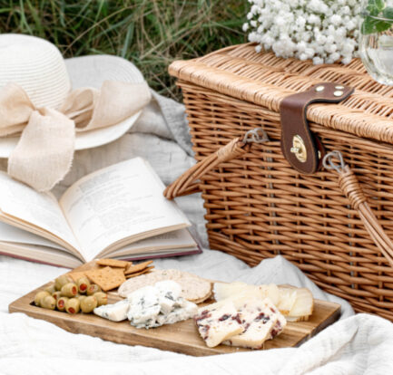 How To Create The Perfect Picnic