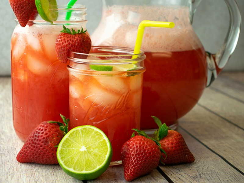 Summer Ready Strawberry Spritzer Cocktail