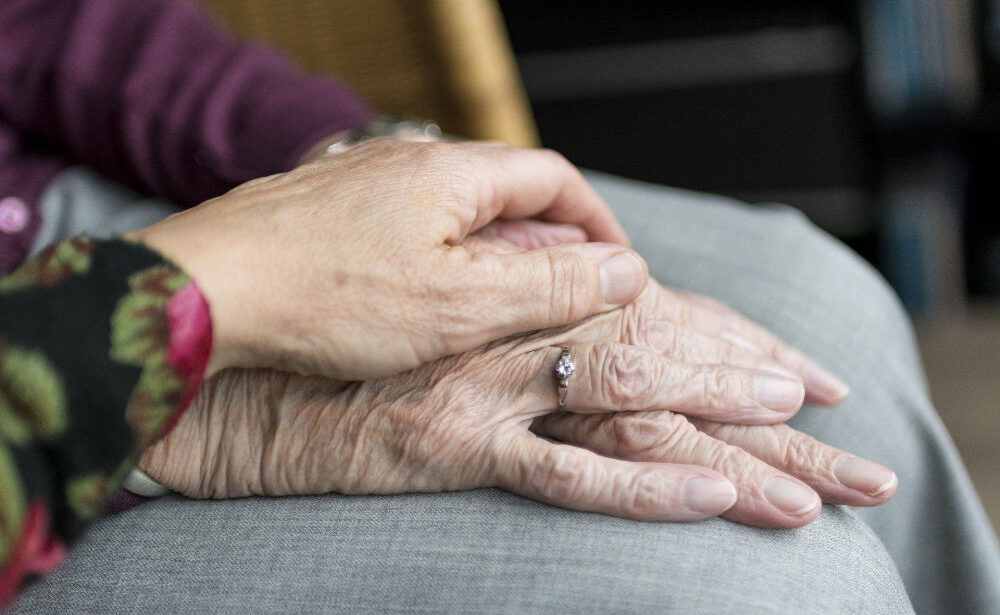 What to Do When Elderly Parents Need Your Help